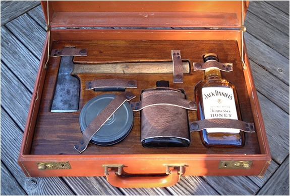 gentlemans_survivalkit_01