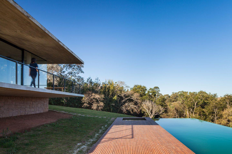 piscina na casa na serra da mantiqueira