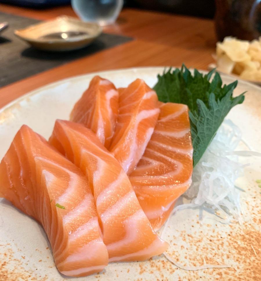 Sashimi de Barriga de Salmão do Nakka Sushi