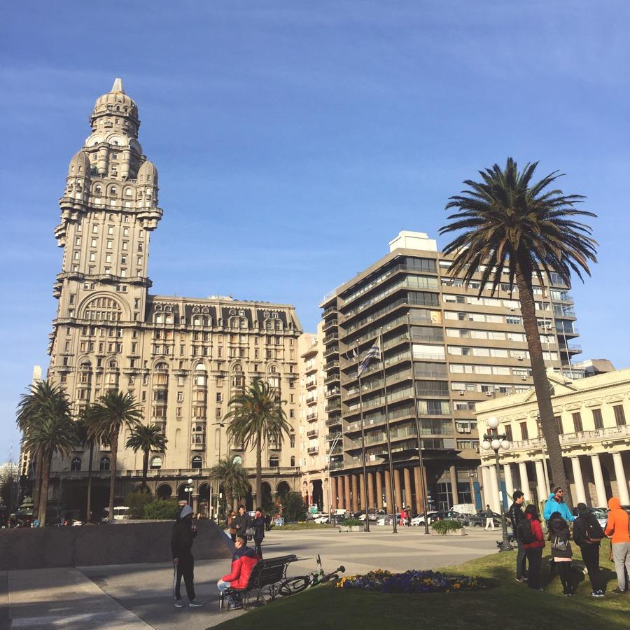 O que Fazer em Montevidéu? Plaza Independencia, na Ciudad Vieja