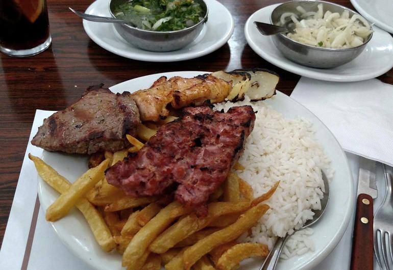 Restaurantes no Centro de SP - Espeto misto do restaurante churrasqueto.