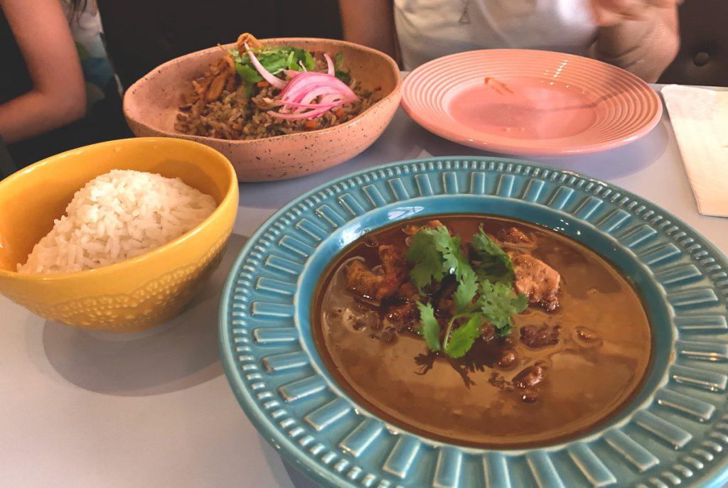 Thit Kho To, prato de restaurantes vietnamitas.