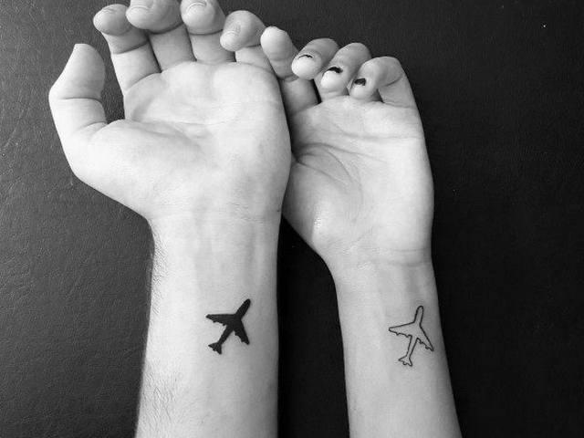 tatuagem de casal moderna